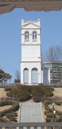 現在は塔のみが残る「旧ロシア公使館」。「俄館播遷」の舞台となった。
